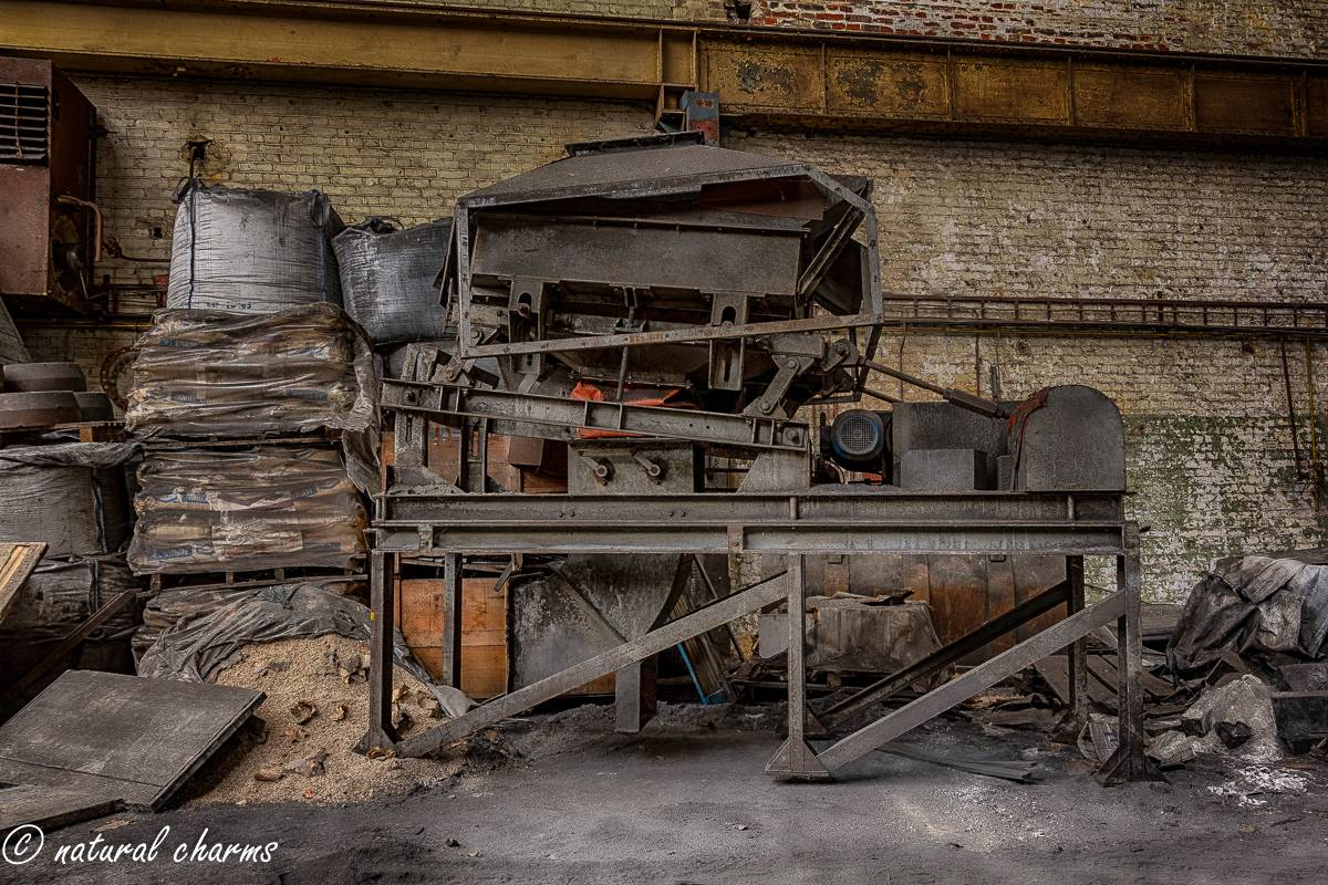 naturalcharms-oldcharms-urbex-fotografie-industrie-orange factory blue tower--11