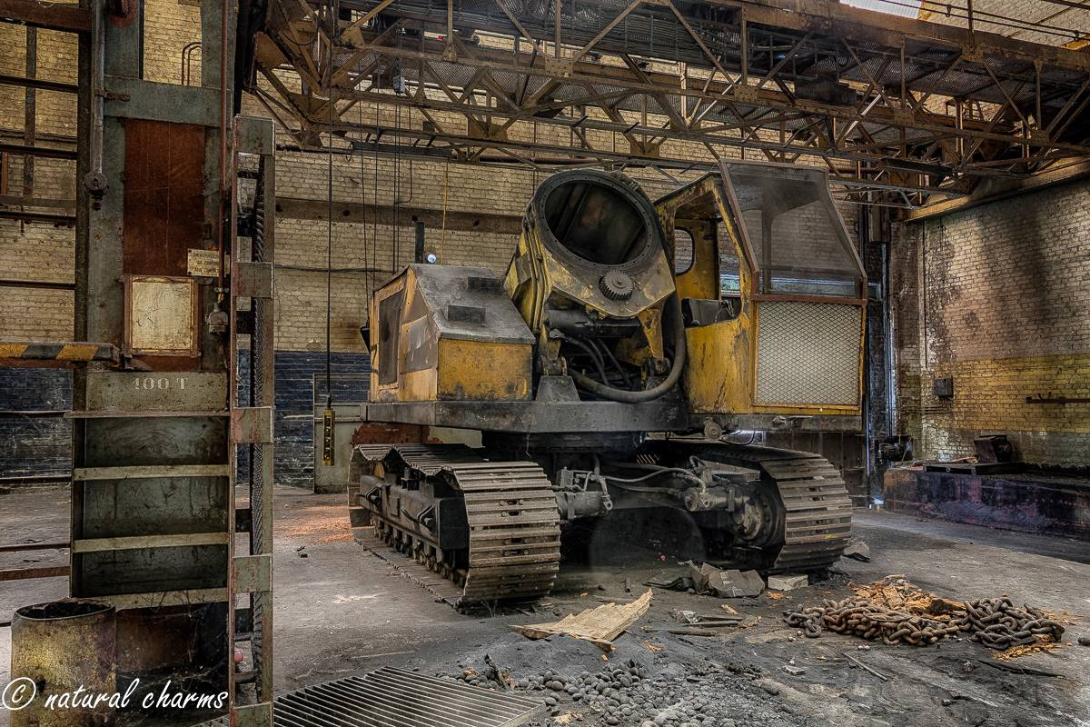 naturalcharms-oldcharms-urbex-fotografie-industrie-orange factory blue tower--12