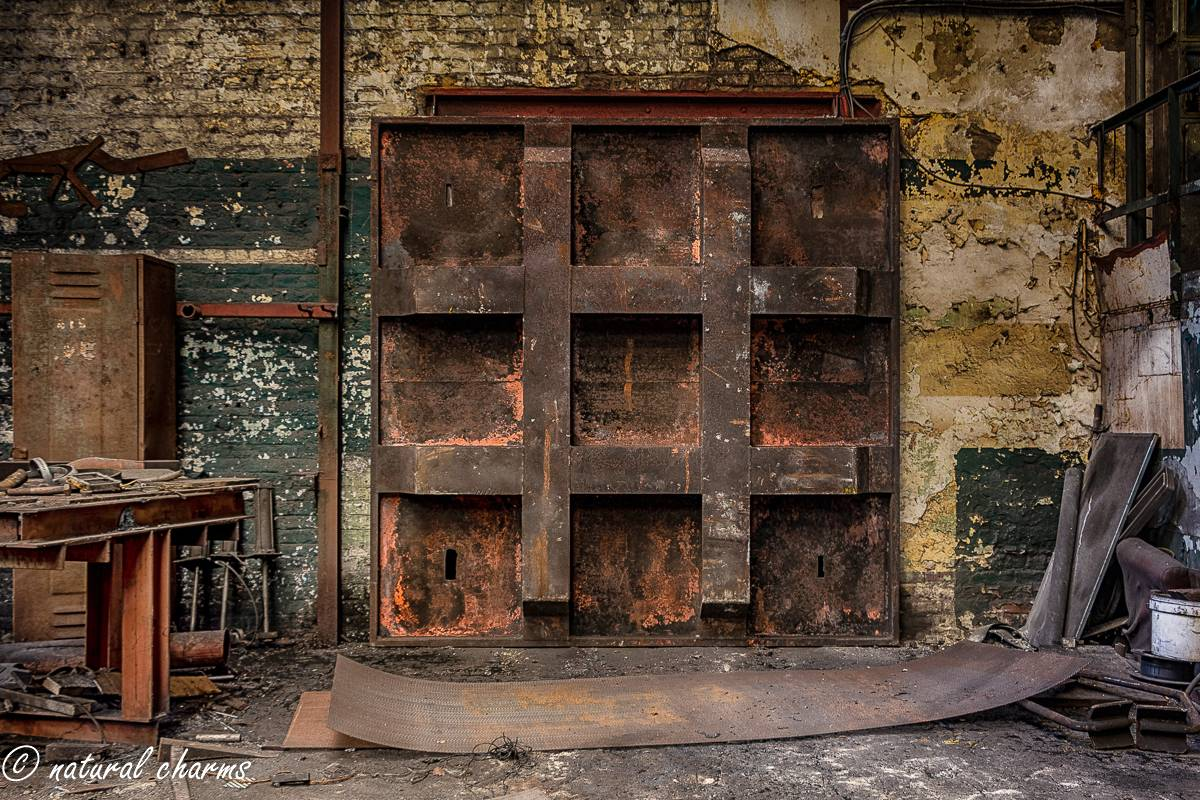naturalcharms-oldcharms-urbex-fotografie-industrie-orange factory blue tower--16