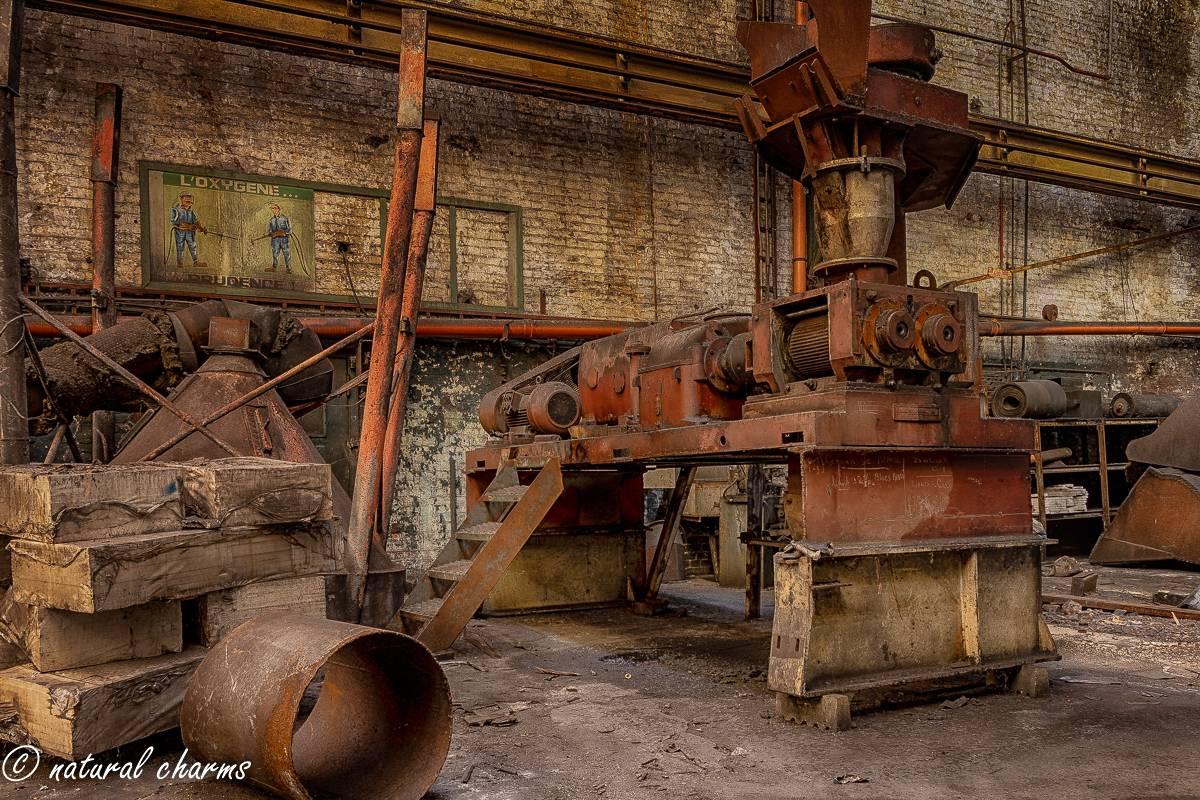 naturalcharms-oldcharms-urbex-fotografie-industrie-orange factory blue tower--18