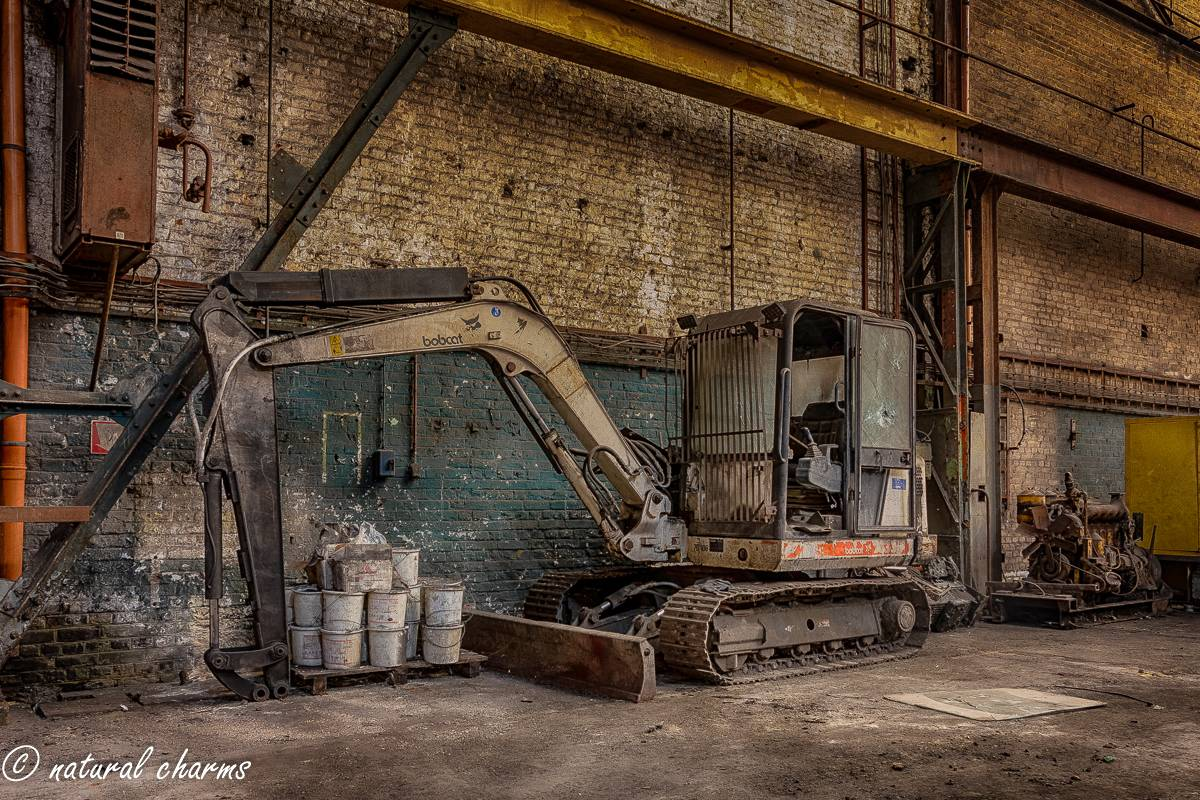 naturalcharms-oldcharms-urbex-fotografie-industrie-orange factory blue tower--20