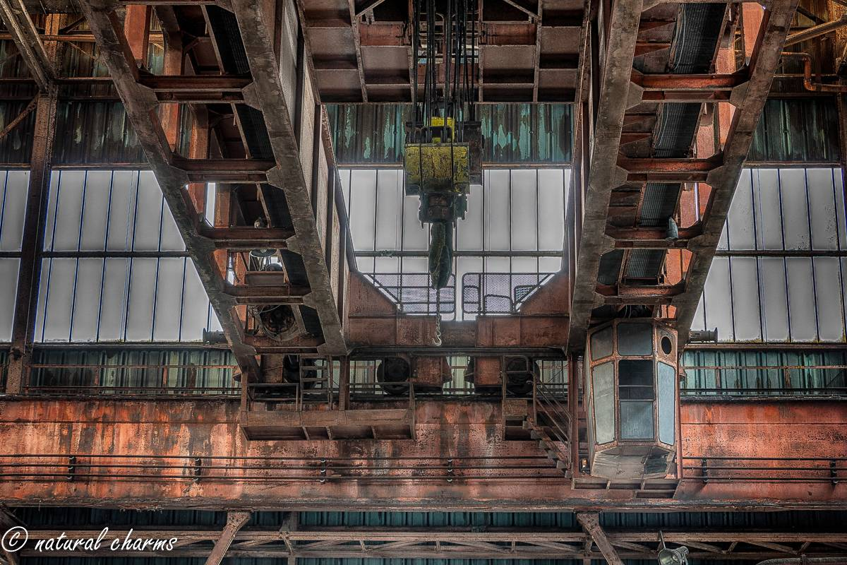 naturalcharms-oldcharms-urbex-fotografie-industrie-orange factory blue tower--5