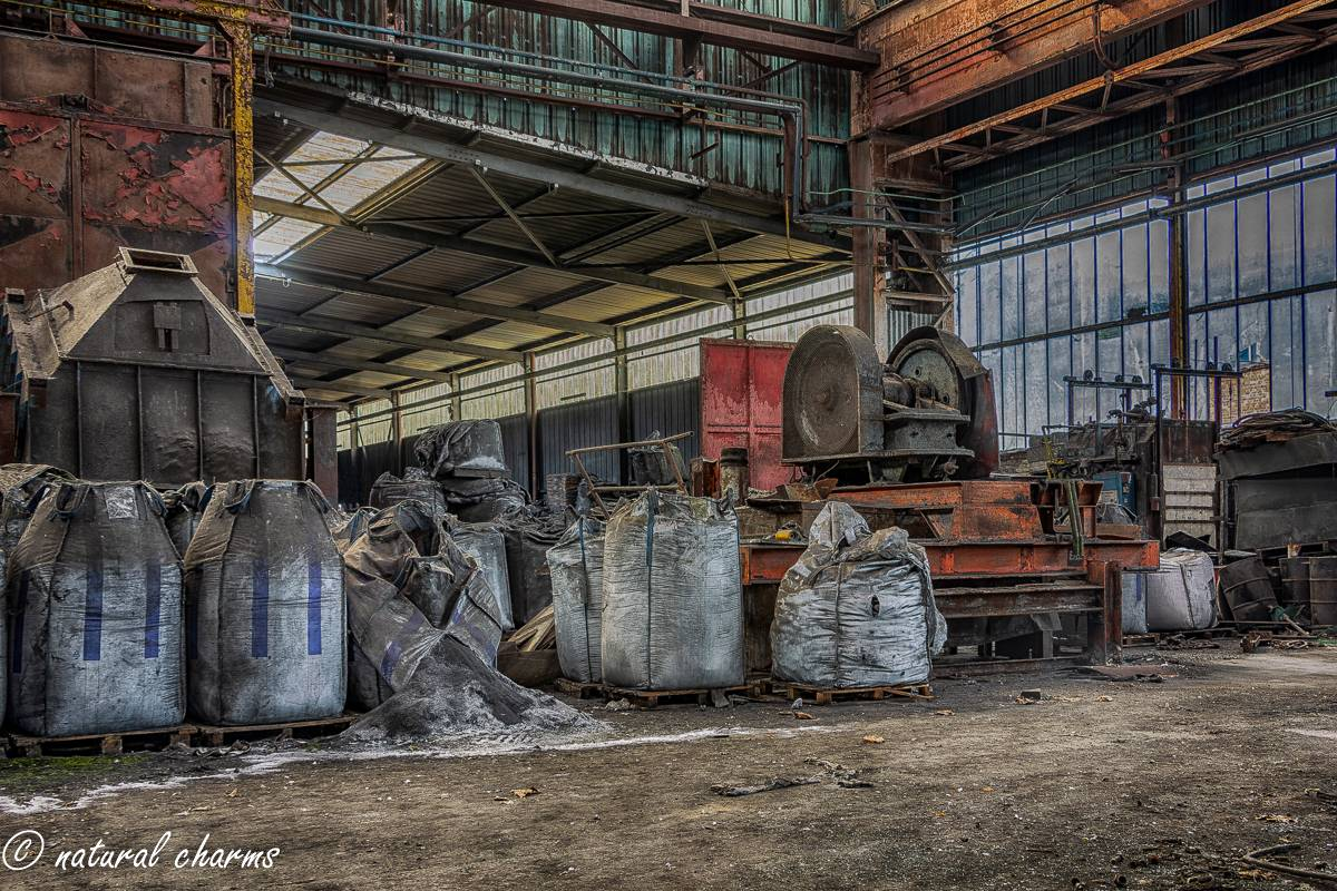 naturalcharms-oldcharms-urbex-fotografie-industrie-orange factory blue tower-5-3
