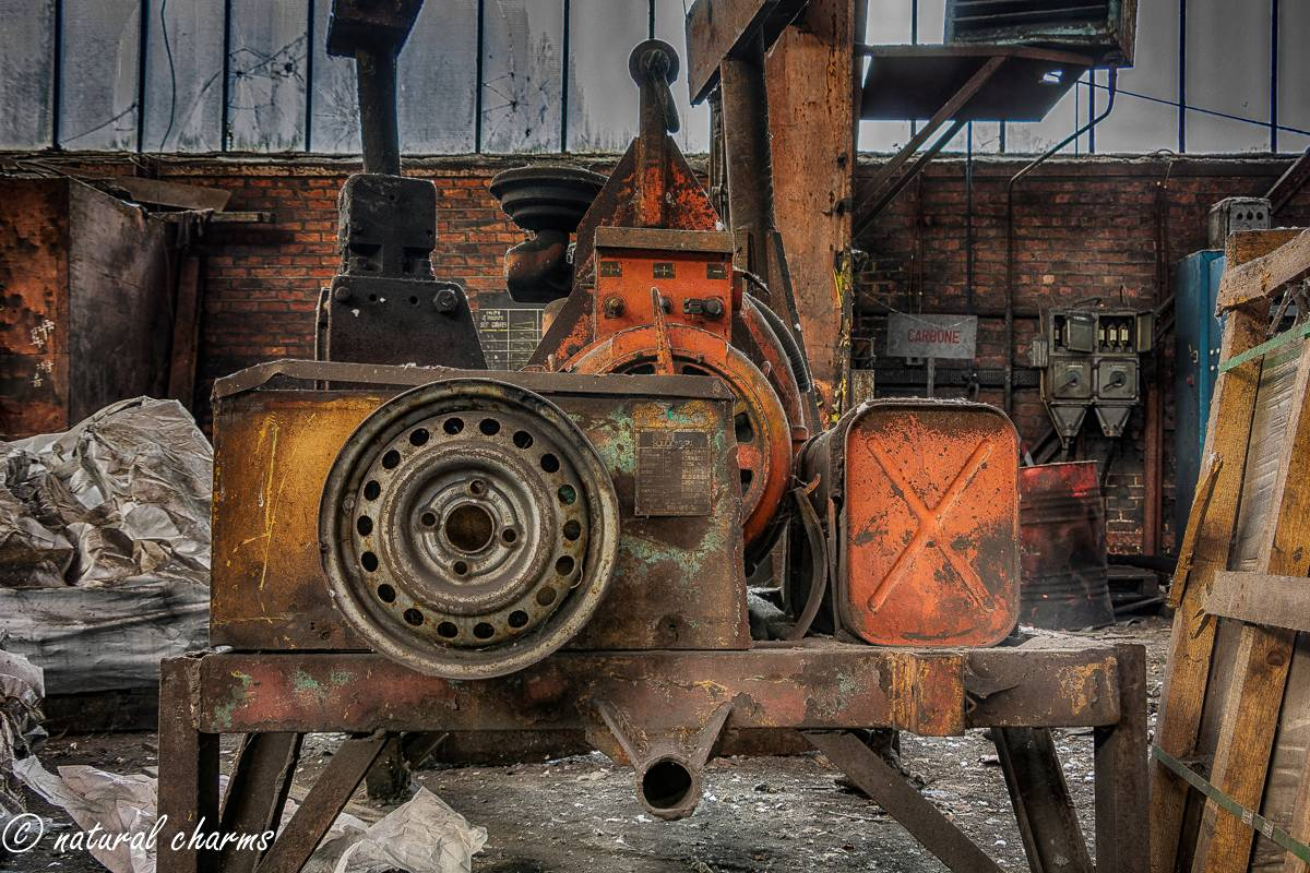 naturalcharms-oldcharms-urbex-fotografie-industrie-orange factory blue tower-6-3
