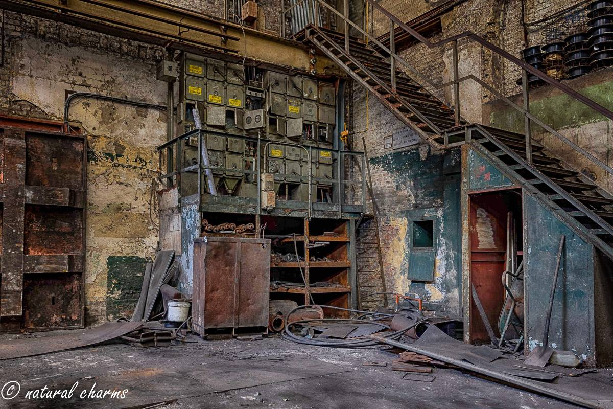 naturalcharms-oldcharms-urbex-fotografie-industrie-orange factory blue tower-9-2