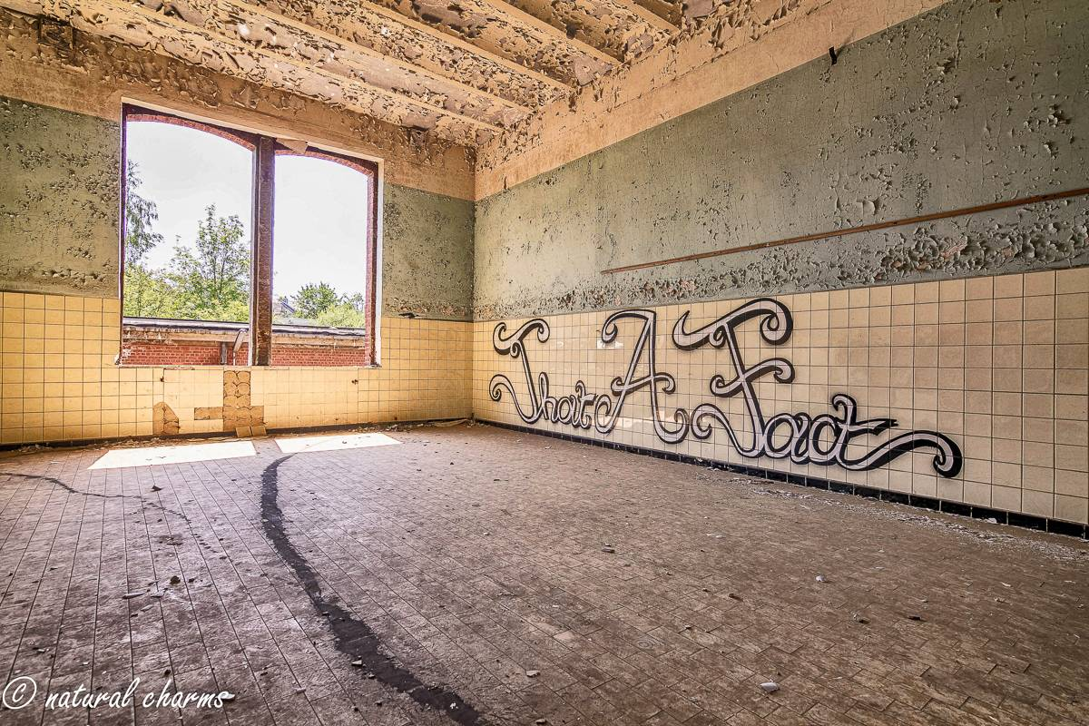 naturalcharms-oldcharms-urbex-Prison H11-10