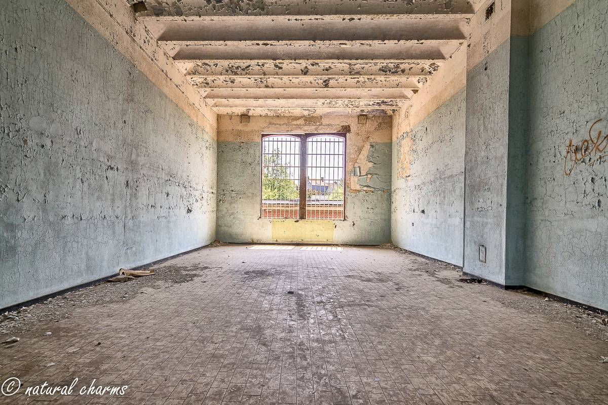 naturalcharms-oldcharms-urbex-Prison H11-21