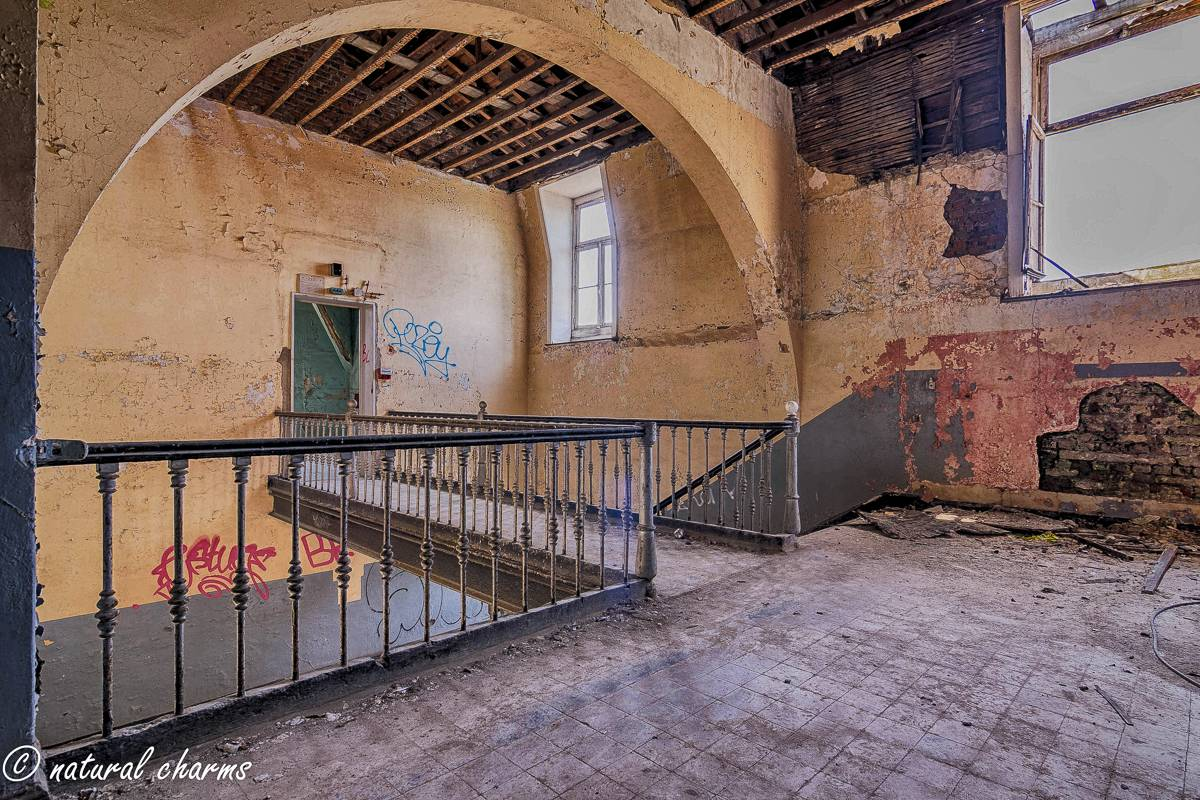 naturalcharms-oldcharms-urbex-Prison H11-24