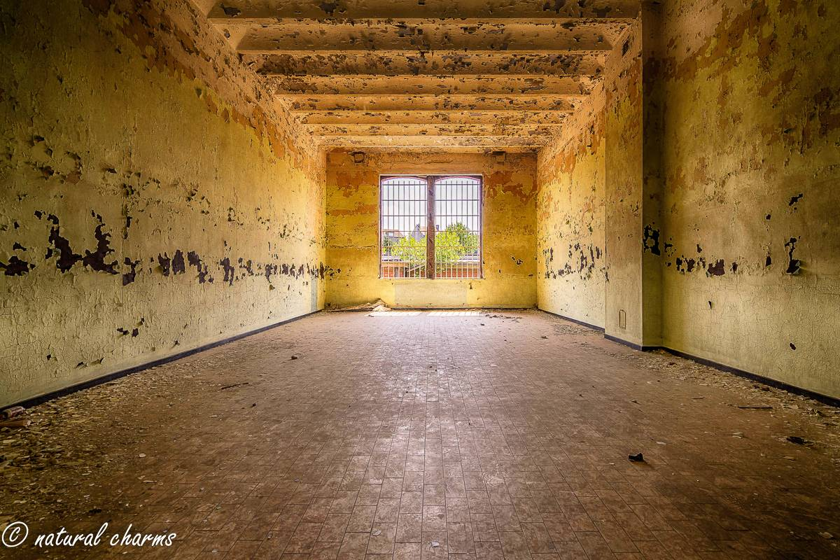 naturalcharms-oldcharms-urbex-Prison H11-4