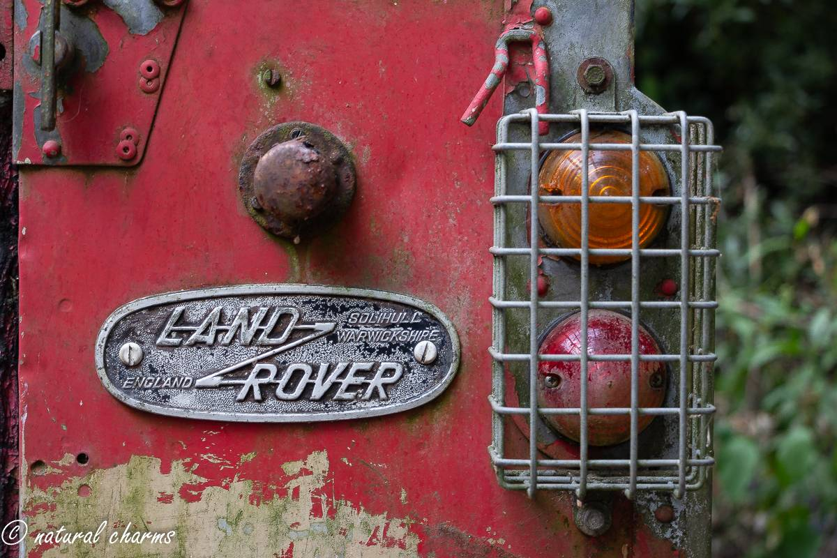 naturalcharms-oldcharms-urbex-fotografie-auto-landrover-1151