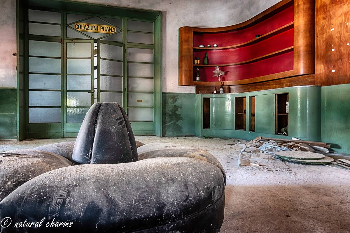 naturalcharms-fotografie-oldcharms-urbex-italie-blue cinema-2019--25