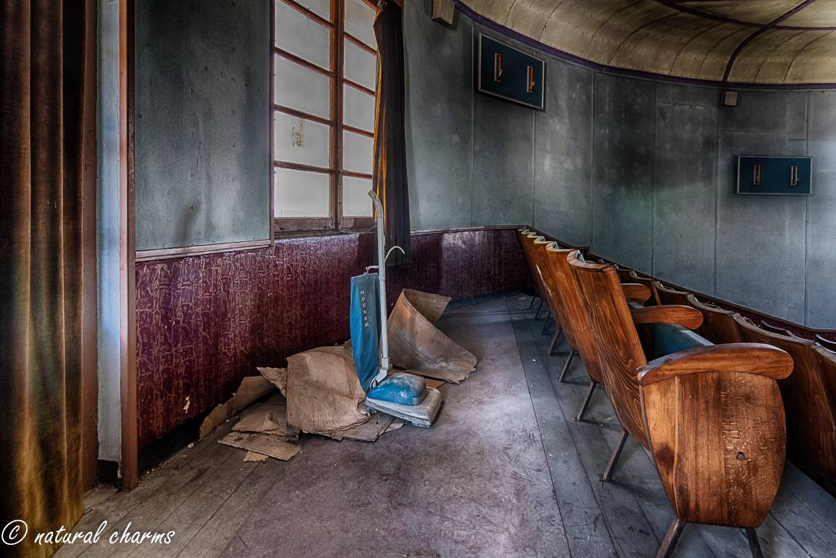 naturalcharms-fotografie-oldcharms-urbex-italie-blue cinema-2019--4