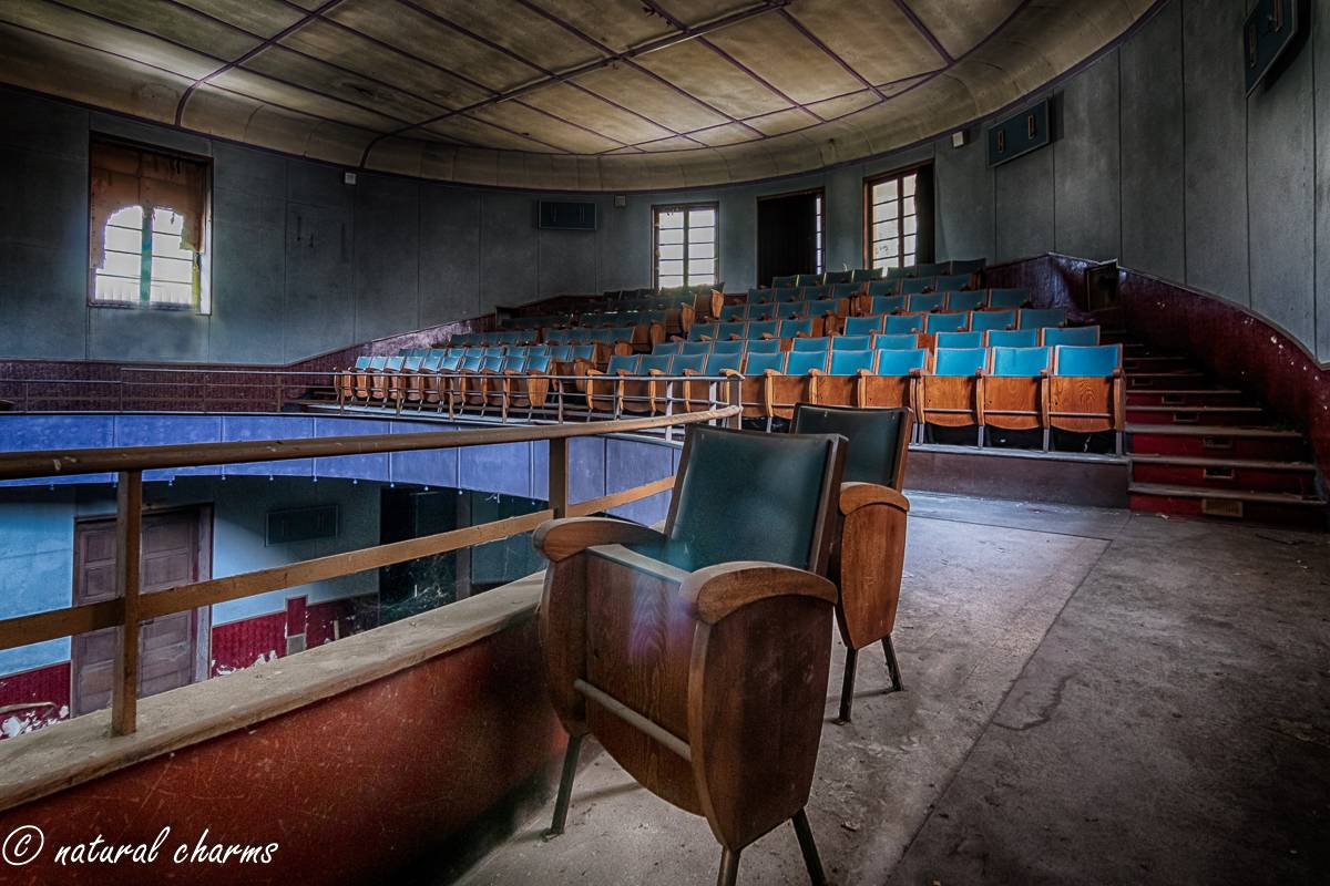 naturalcharms-fotografie-oldcharms-urbex-italie-blue cinema-2019-